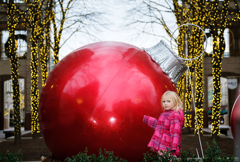 Reston Town Center Christmas decorations