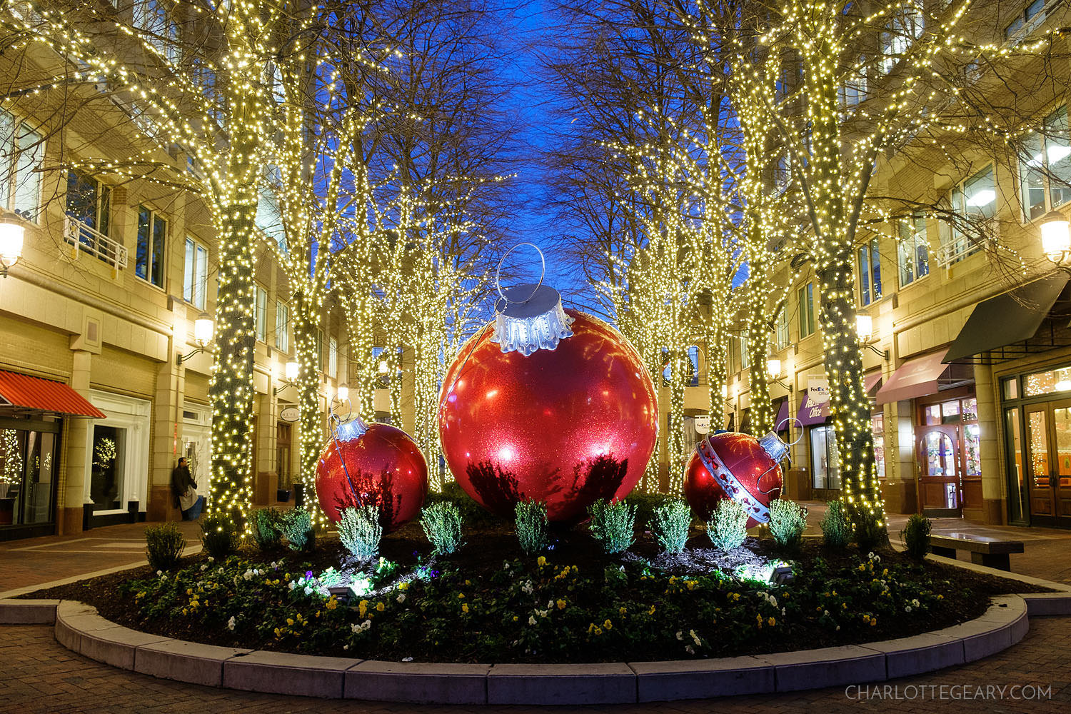 Reston Town Center holiday Christmas decorations