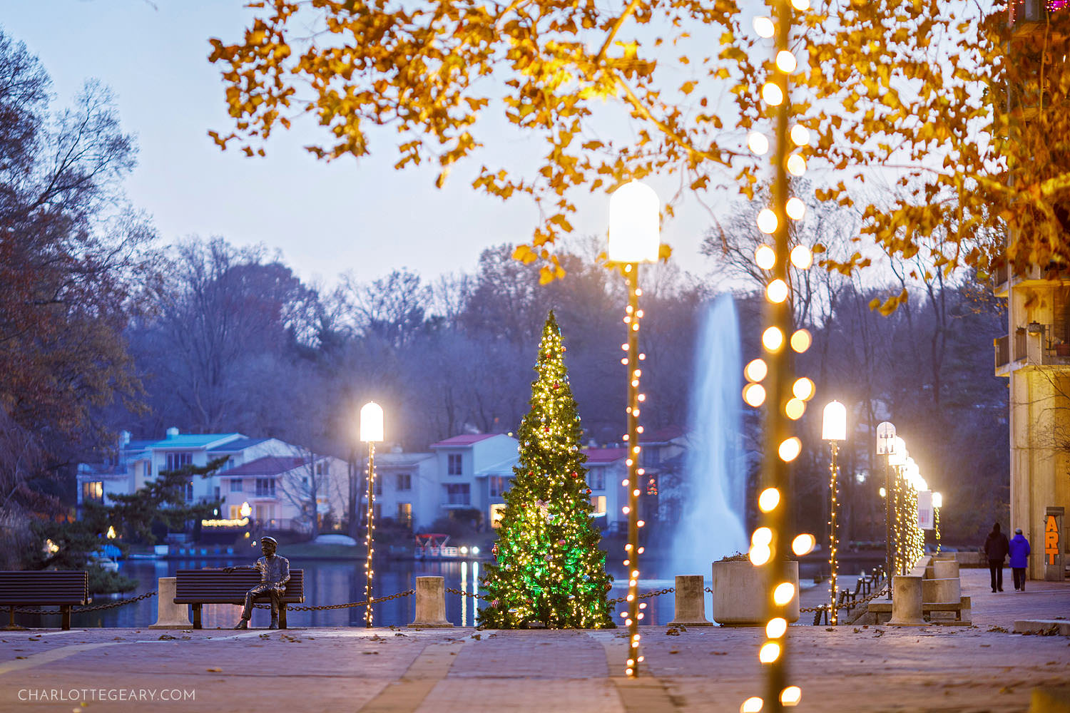 Lake Anne Plaza during the holidays