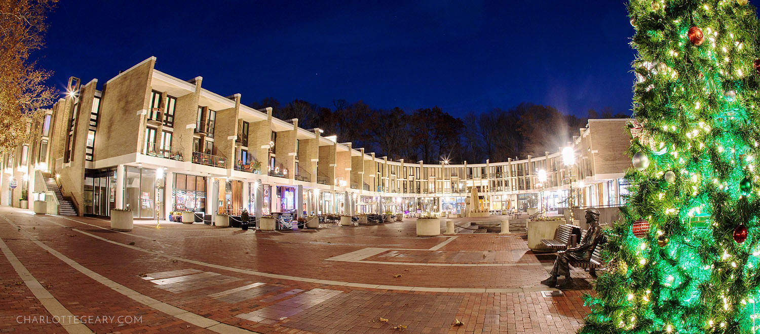 Lake Anne Plaza at Christmastime (Reston, Virginia)