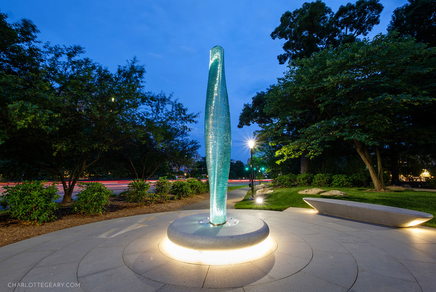 Danny Lane glass sculpture at Reston Town Center