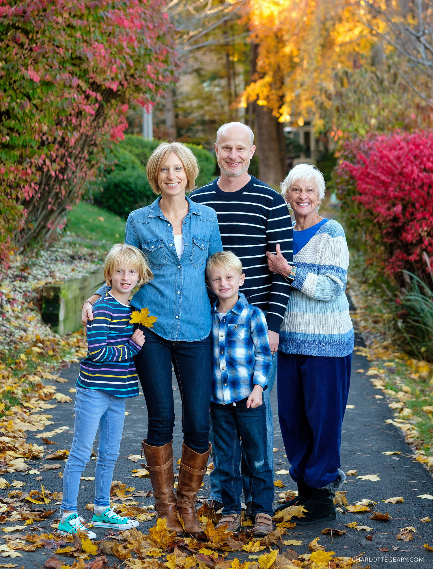 Fall family portrait at Lake Newport (Reston, Virginia)